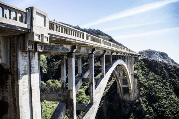 Puente de tren de Santa Giustina, Italia