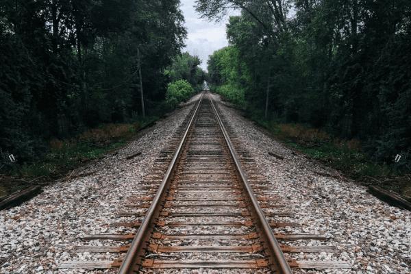 در حالی که قطار قطع شما در راه آهن ضربه و فقط استراحت
