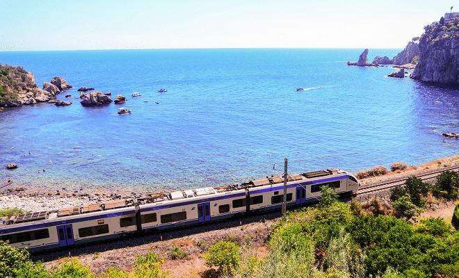 Itali dengan kereta api percutian pantai