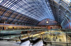 London to paris train starts at St.Pancras