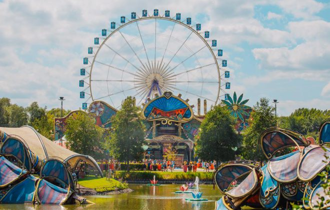 Tomorrowland le Train cuibhle dealbh