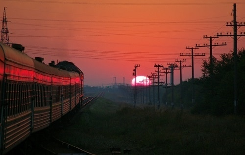 закат путешествие лучший поезд едет в Европу