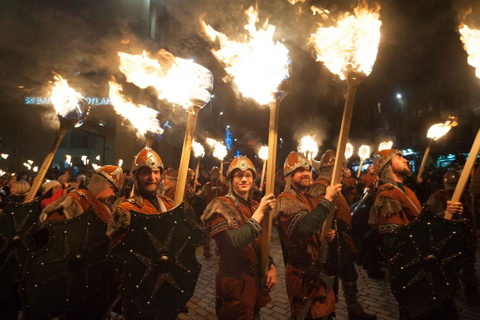 Scotland Hogmanay ibhuku rakasiyana chaizvo pakati Winter Festivals in Europe