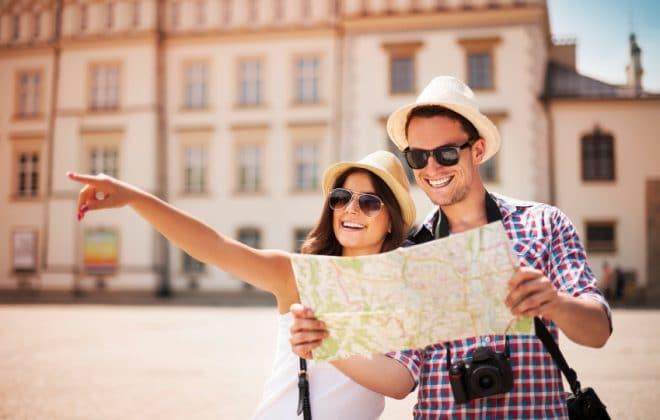 Europe Travel V jarním období a dál s úsměvem