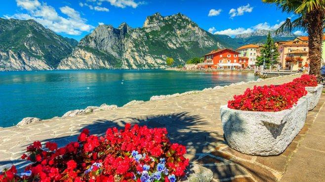 Lake Garda is among Lakes in Northern Italy