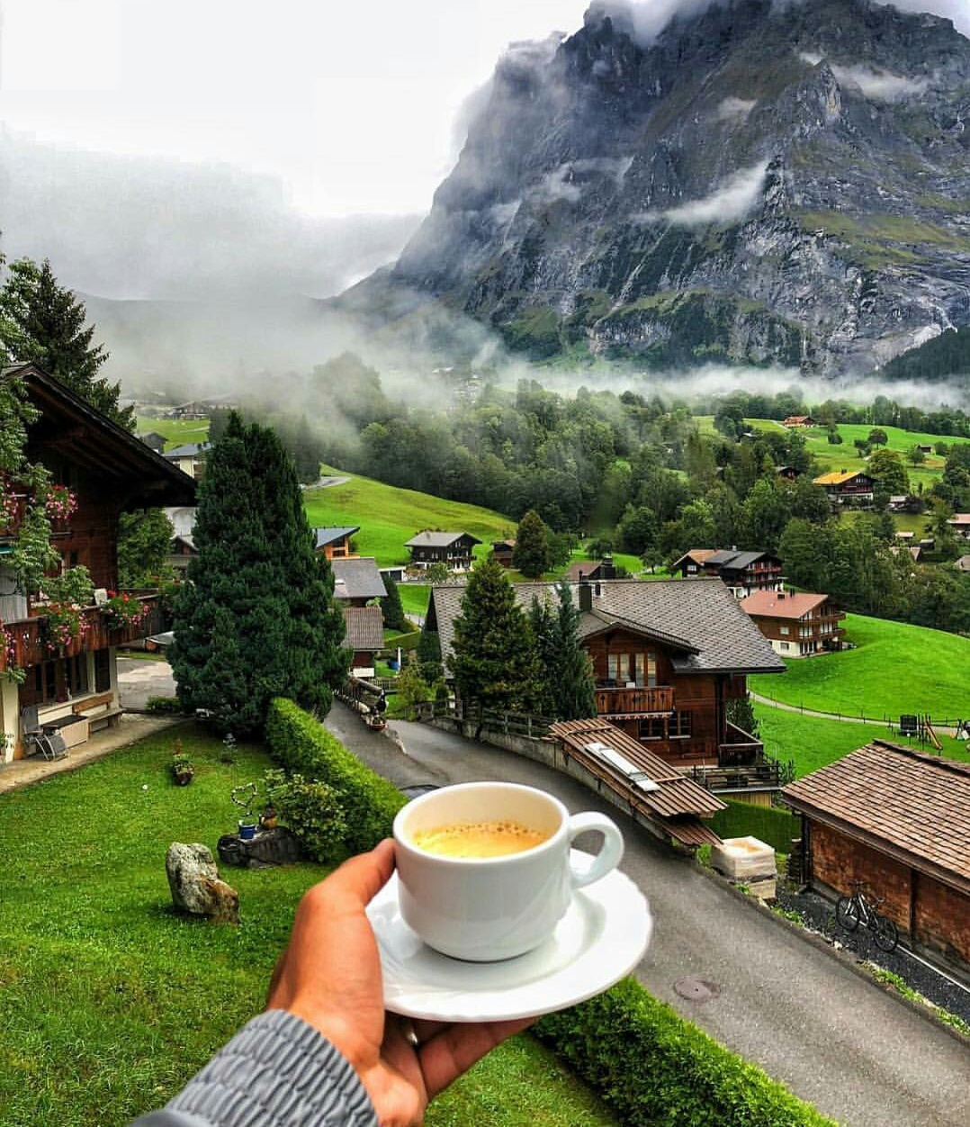 Drink Cafe inside your hotel room to Save Money While Traveling