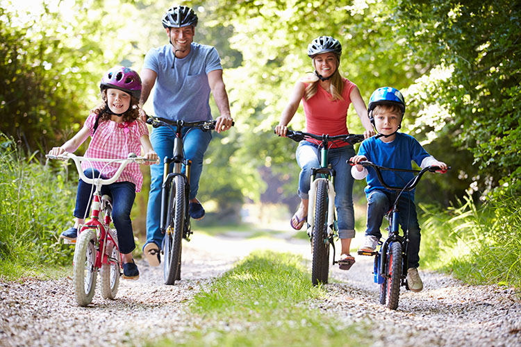 a family cycling europe trail